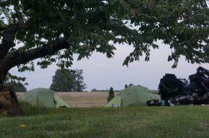 die Zelte stehen - Zeit für ein Lagerfeuer!